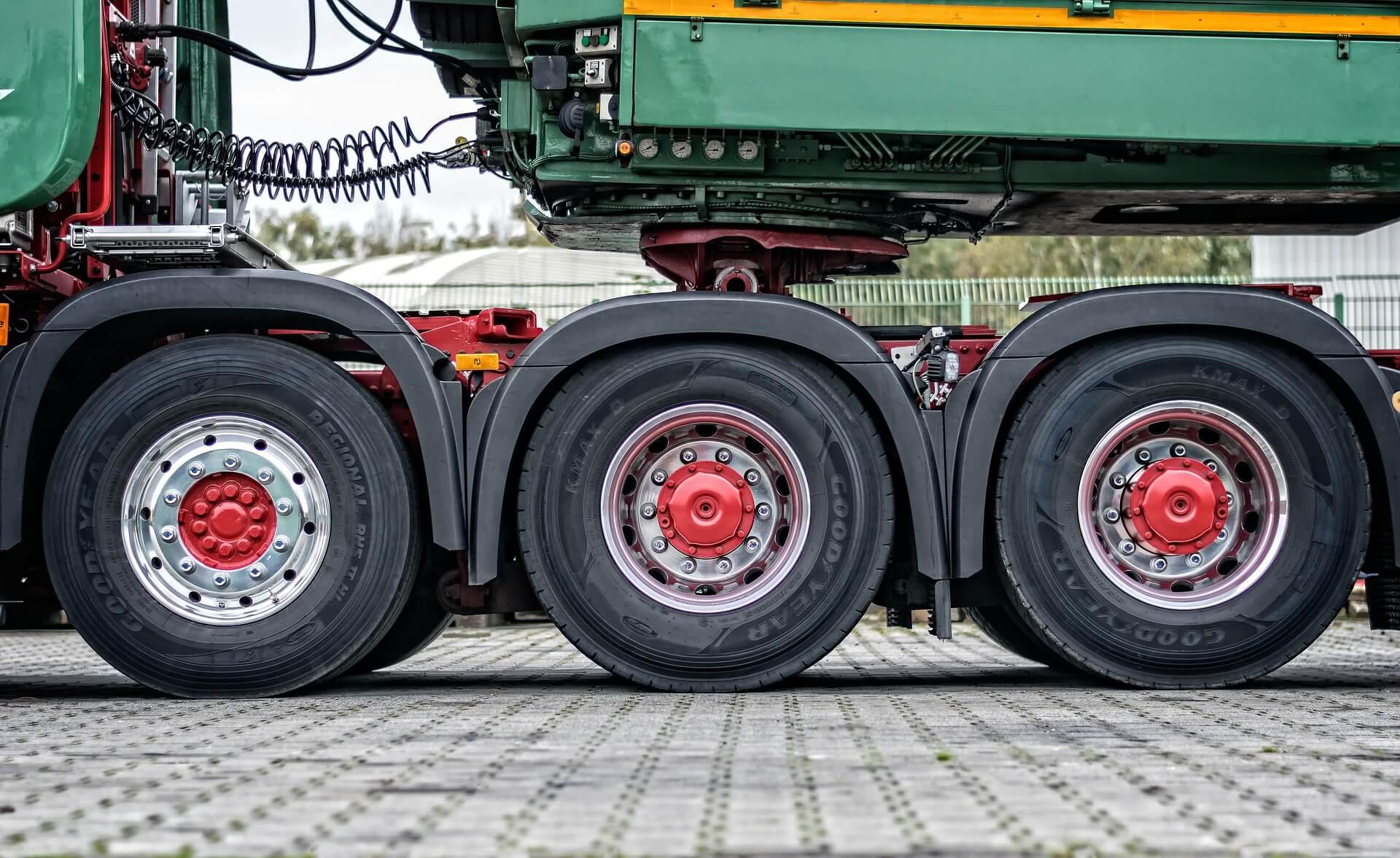 conducción eficiente camiones neumáticos